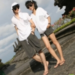 ชุดคู่รัก เสื้อคู่รักเกาหลี เสื้อผ้าแฟชั่น ชาย หญิง เสื้อฮูดสีขาว + กางเกงขาสั้นลายขาวดำ  +พร้อมส่ง+