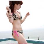 พร้อมส่ง ชุดว่ายน้ำ Bikini ผูกข้าง ลายเสือ สายคล้องสีชมพูสวยๆ