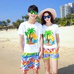 เสื้อคู่รัก ชุดคู่รักเที่ยวทะเลชาย +หญิง เสื้อยืดสีขาวลายต้นมะพร้าว กางเกงขาสั้นลายไทยโทนสีส้ม +พร้อมส่ง+