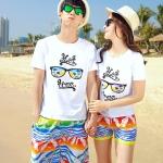 เสื้อคู่รัก ชุดคู่รักเที่ยวทะเลชาย +หญิง เสื้อยืดสีขาวลายแว่นตา กางเกงขาสั้นลายไทยโทนสีส้ม +พร้อมส่ง+