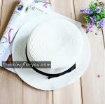 หมวกแฟชั่นทรงขนมเค้ก คาดริบบิ้นดำ : สีขาว MN016