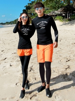 พร้อมส่ง ชุดว่ายน้ำคู่รัก ชุดว่ายน้ำขายาว-แขนยาว เซ็ต 4 ชิ้น ขาสั้นสีส้ม