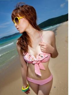 พร้อมส่ง ชุดว่ายน้ำบิกินี่ทูพีซ สีชมพูสวยๆ