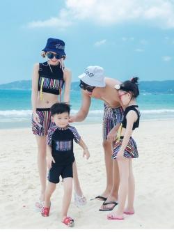 ชุดว่ายน้ำครอบครัว แม่ลูก พ่อลูก ลูกสาว ลูกชาย ดีไซน์สวยเก๋ หญิงเซ็ต 3 ชิ้น