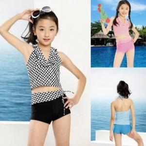 พร้อมส่ง ชุดว่ายน้ำเด็กผู้หญิง ชุดว่ายน้ำ Tankini สายคล้องคอแต่งระบายน่ารัก กางเกงขาสั้น แต่งเอวผ้าลายเดียวกับตัวเสื้อ มีเชือกรูดผูกโบว์เก๋มาก