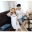 เสื้อคู่รัก แฟชั่นคู่รัก ชายเสื้อยืดคอกลม + เดรสคอกลม สีขาว แต่งลายไทย +พร้อมส่ง thumbnail 10