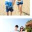 เสื้อคู่รัก ชุดคู่รักเที่ยวทะเลชาย +หญิง เสื้อยืดสีขาวลายต้นมะพร้าวลอยน้ำ กางเกงขาสั้นลายแฉกโทนสีฟ้า +พร้อมส่ง+ thumbnail 6