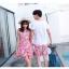 ชุดเสื้อคู่รักเที่ยวทะเล ชายเสื้อยืดพร้อมกางเกงขาสั้น + เดรสแขนกุด สีชมพู แต่งลายดอกไม้ +พร้อมส่ง thumbnail 14