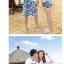 เสื้อคู่รัก ชุดคู่รักเที่ยวทะเลชาย +หญิง เสื้อยืดสีขาวลายเกาะทะเล กางเกงขาสั้นโทนสีฟ้าสลับชมพู+พร้อมส่ง+ thumbnail 4
