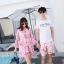 ชุดเสื้อคู่รักเที่ยวทะเล ชายเสื้อยืดพร้อมกางเกงขาสั้น + เดรสแขนยาว สีชมพู แต่งลายดอกไม้ +พร้อมส่ง สำเนา thumbnail 2