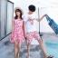 ชุดเสื้อคู่รักเที่ยวทะเล ชายเสื้อยืดพร้อมกางเกงขาสั้น + เดรสแขนกุด สีชมพู แต่งลายดอกไม้ +พร้อมส่ง thumbnail 10