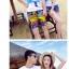 เสื้อคู่รัก ชุดคู่รักเที่ยวทะเลชาย +หญิง เสื้อยืดสีขาวลายคนยืนดูท้องฟ้า กางเกงขาสั้นลายแถบสีหลากสี +พร้อมส่ง+ thumbnail 5