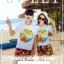 เสื้อคู่รัก ชุดคู่รักเที่ยวทะเลชาย +หญิง เสื้อยืดสีขาวลายต้นมะพร้าวลอยน้ำ กางเกงขาสั้นลายพระอาทิตย์โทนสีส้ม +พร้อมส่ง+ thumbnail 2
