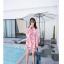 ชุดเสื้อคู่รักเที่ยวทะเล ชายเสื้อยืดพร้อมกางเกงขาสั้น + เดรสแขนยาว สีชมพู แต่งลายดอกไม้ +พร้อมส่ง สำเนา thumbnail 20