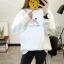 เสื้อแขนยาวแฟชั่นพร้อมส่ง เสื้อแขนยาวสีขาว แต่งสกรีนรูปมือส่งหัวใจ +พร้อมส่ง+ thumbnail 1