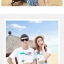 เสื้อคู่รัก ชุดคู่รักเที่ยวทะเลชาย +หญิง เสื้อยืดสีขาวลายเกาะทะเล กางเกงขาสั้นโทนสีฟ้าสลับชมพู+พร้อมส่ง+ thumbnail 3