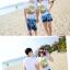 เสื้อคู่รัก ชุดคู่รักเที่ยวทะเลชาย +หญิง เสื้อยืดสีขาวลายต้นมะพร้าวลอยน้ำ กางเกงขาสั้นลายแฉกโทนสีฟ้า +พร้อมส่ง+ thumbnail 7