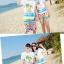 เสื้อคู่รัก ชุดคู่รักเที่ยวทะเลชาย +หญิง เสื้อยืดสีขาวลายคนติดเกาะ กางเกงขาสั้นลายไทยโทนสีส้ม +พร้อมส่ง+ thumbnail 3