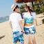 เสื้อคู่รัก ชุดคู่รักเที่ยวทะเลชาย +หญิง เสื้อยืดสีขาวลายคู่รักนอนตากแดด กางเกงขาสั้นลายแฉกโทนสีฟ้า +พร้อมส่ง+ thumbnail 2