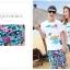 เสื้อคู่รัก ชุดคู่รักเที่ยวทะเลชาย +หญิง เสื้อยืดสีขาวลายเกาะทะเล กางเกงขาสั้นโทนสีฟ้าสลับชมพู+พร้อมส่ง+ thumbnail 2