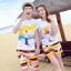 เสื้อคู่รัก ชุดคู่รักเที่ยวทะเลชาย +หญิง เสื้อยืดสีขาวลายคนยืนดูท้องฟ้า กางเกงขาสั้นลายแถบสี +พร้อมส่ง+ thumbnail 1