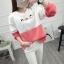 เสื้อแขนยาวแฟชั่นพร้อมส่ง เสื้อแขนยาวแต่งสีขาวสลับชมพู แต่งสกรีน ฝูงแมว +พร้อมส่ง+ thumbnail 1