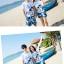 เสื้อคู่รัก ชุดคู่รักเที่ยวทะเลชาย +หญิง เสื้อยืดสีขาวลายสวีทริมทะเล กางเกงขาสั้นลายต้นมะพร้าวโทนสีฟ้า +พร้อมส่ง+ thumbnail 5