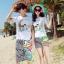 เสื้อคู่รัก ชุดคู่รักเที่ยวทะเลชาย +หญิง เสื้อยืดสีขาวลายคู่รักสวีทพระอาทิพย์ตกดิน กางเกงขาสั้นลายเส้น +พร้อมส่ง+ thumbnail 1
