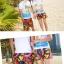 เสื้อคู่รัก ชุดคู่รักเที่ยวทะเลชาย +หญิง เสื้อยืดสีขาวลายคนติดเกาะ กางเกงขาสั้นลายพระอาทิตย์โทนสีส้ม +พร้อมส่ง+ thumbnail 6