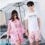 ชุดเสื้อคู่รักเที่ยวทะเล ชายเสื้อยืดพร้อมกางเกงขาสั้น + เดรสแขนยาว สีชมพู แต่งลายดอกไม้ +พร้อมส่ง สำเนา thumbnail 1