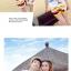 เสื้อคู่รัก ชุดคู่รักเที่ยวทะเลชาย +หญิง เสื้อยืดสีขาวลายคนยืนดูท้องฟ้า กางเกงขาสั้นลายแถบสี +พร้อมส่ง+ thumbnail 4