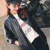 เสื้อแจ็คเก็ตหนังผู้หญิง เสื้อหนังผู้หญิงแฟชั่น พร้อมส่ง สีดำ แขนยาวแต่งลายริ้วเก๋ จั้มช่วงเอวและแขนเสื้อ