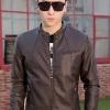 แจ็คเก็ตหนังผู้ชาย เสื้อหนังผู้ชาย สีน้ำตาลเข้ม หนัง PU คุณภาพงานพรีเมี่ยม งานเนี๊ยบ ทรงเรียบเก๋ คอจีน
