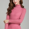เสื้อกันหนาวไหมพรม พร้อมส่ง สีชมพู คอเต่า แขนยาว ดีเทลลายตารางน่ารักๆ ตัวยาว คลุมสะโพก