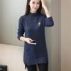 เสื้อกันหนาวไหมพรม พร้อมส่ง สีกรมท่า คอเต่า แต่งผ่าด้านข้าง แขนยาว ตัวยาวคลุมสะโพก ใส่กันหนาวได้ค่ะ