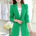เสื้อสูทแฟชั่น พร้อมส่ง สีเขียว ตัวยาว คลุมสะโพก แขนยาว คอปกเก๋ แต่งสายคาดเอวด้านหลัง งานสวยดีไซน์เก๋มากๆ