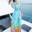maxi dress ชุดเดรสยาว พร้อมส่ง สีฟ้า คอวีลึก ลายดอกไม้สีสัน สม๊อคช่วงเอว สวยมากๆค่ะ thumbnail 3