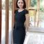 ชุดเดรสทำงาน สีดำ คอวี แขนสั้น แต่งกระดุมน่ารัก ดีเทลระบายชายเสื้อ thumbnail 4