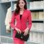 เสื้อสูทสีชมพู แขนยาว แต่งเว้าช่วงคอ คอวีลึกติดกระดุมเม็ดเดียว กระโปรงสั้น สีชมพู ทรง A ค่ะ thumbnail 5