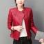 เสื้อแจ็คเก็ต เสื้อหนังแฟชั่น พร้อมส่ง สีแดง คอจีน ตัวสั้น หนังด้าน ดีเทลซิบรูดปลายแขนเก๋ thumbnail 3