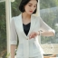 เสื้อสูทแฟชั่น เสื้อสูทสำหรับผู้หญิง พร้อมส่ง สีขาว ผ้าคอตตอน 100 % เนื้อดี คุณภาพงานพรีเมี่ยม งานตัดเย็บเนี๊ยบ thumbnail 3