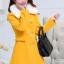 เสื้อโค้ทแฟชั่น พร้อมส่ง สีเหลือง ผ้า woolen แต่งช่วงเอวเก๋ ติดกระดุมคู่ 2 แถวเก๋ มาพร้อมกับผ้าขนสัตว์สีขาวแต่งคอเสื้อ งานสวยเหมือนแบบแน่นอนค่ะ thumbnail 5