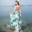 maxi dress ชุดเดรสยาว พร้อมส่ง สีพื้นขาว ลายใบไม้สีเขียว คอวีลึก สายเดี่ยว เอวล็อคผู้เชือกด้านหลัง สวยมากๆค่ะ ใส่สบาย thumbnail 2