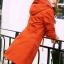 เสื้อกันหนาว พร้อมส่ง สีส้มอิฐ ตัวยาวคลุมสะโพก แบบซิบรูดเก๋ แต่งฮูทสุดเท่ห์ เสื้อตัวนี้หน้าหนาวปีนี้พลาดไม่ได้เลยค่ะ thumbnail 3