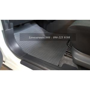 พรมรถยนต์ Suzuki SX4 ธนูเทา
