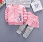 ชุดเด็กน่ารัก ชุดกันหนาว เสื้อแขนยาว ลายกระต่าย สีชมพู พร้อมกางเกงกระโปรง