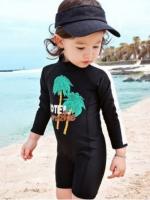 ชุดว่ายน้ำเด็กบอดี้สูทเด็กหญิงแขนยาว ขาสั้น ซิปหลัง สีดำ-ขาว พร้อมหมวก
