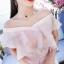 เดรสผ้าไหมเนื้อเงาสีชมพู ทอลายดอกกุหลาบ แต่งผ้าชีฟองระบายที่หน้าอก ใส่เปิดไหล่ทั้ง 2 ข้างหรือข้างเดี thumbnail 9