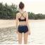ชุดว่ายน้ำทรีพีชแบบสปอร์ต มีบาร์ด้านใน เสื้อแขนยาวชายปล่อย กางเกงขาสั้นสีน้ำเงินเข้ม thumbnail 10