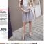 เดรสผ้าลูกไม้เนื้อดีสีเทา แขนกุด ตรงกลางหน้าอกเสื้อ เป็นผ้าชีฟองสีขาวอัดพลีต thumbnail 6